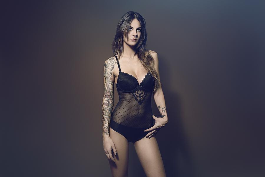 Laura_Fondo-marron